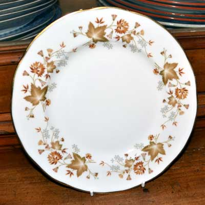 Colclough Avon bone china dessert plate 10 3/4