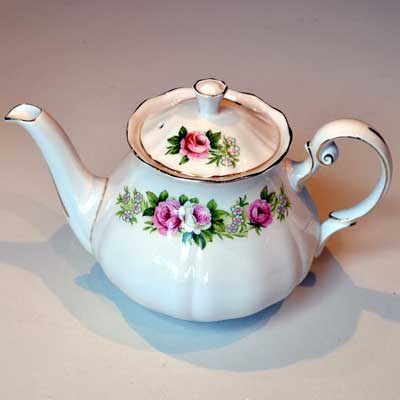 Colclough Enchantment Teapot, squatt design 1.5pint teapot Patt No 7132
