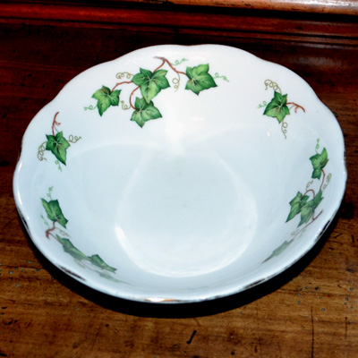 Colclough Ivy leaf Bone China Dessert Bowl Bone China Patt No 8143