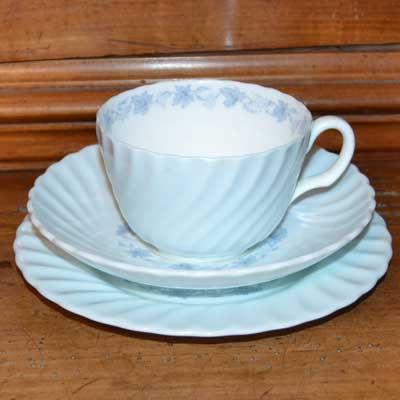 Minton Vineyard S - 574 pattern teacup trio blue