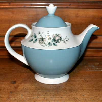 Royal Doulton Rose Elegans TC1010 samll teapot